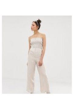 Glamorous Tall - Camisole-Jumpsuit mit Raffung und Streifen - Weiß(87106106)