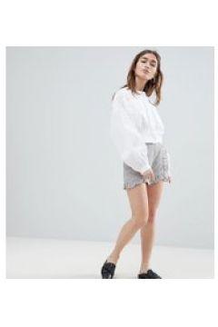 Lost Ink Petite - Shorts mit Rüschensaum - Grau(86673966)