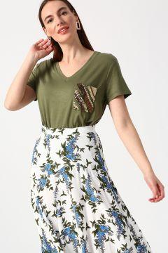 House Of Camellia Haki T-Shirt(113974822)