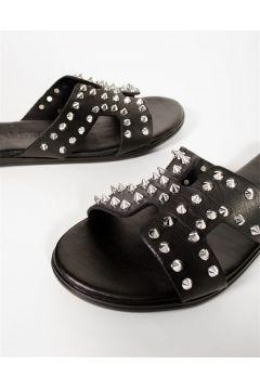 Shoes & More Kadın Siyah Zımba Detaylı Terlik(124639221)