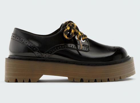 Buty typu derby na grubej podeszwie z ozdobną perforacją(56454483)